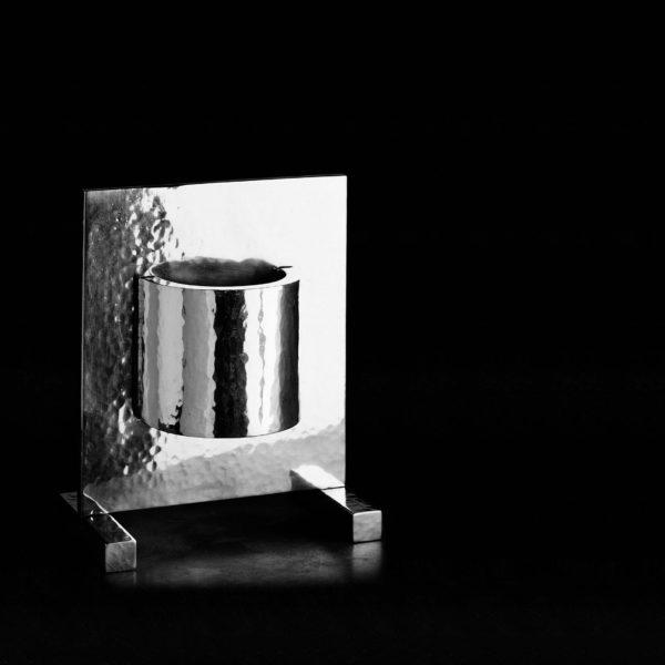 Acqua di Fonte Ettore Sottsass - vaso in peltro NUMA Just For Flowers