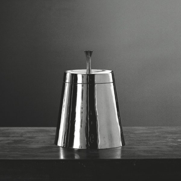 Metallia - Giuturna scatola in peltro Design Giovanni Levanti