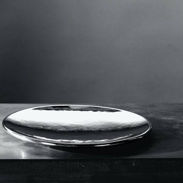 Metallia - Saturno Piatto Ornamentale - Vassoio Tondo - Sotto Piatto - Centro Tavola - Porta Frutta in peltro Design Marco Susani e Mario Trimarchi